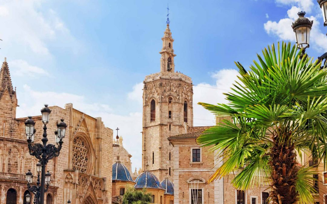 Pros and cons of investing in Valencia